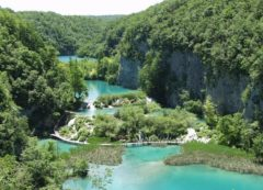 The blue waters of the National Park Plitvice