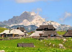 The wooden houses on Velika Planina