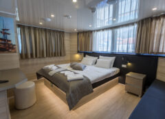 Luxury small cruise ship: VIP cabin