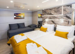 Luxury small cruise ship: Triple cabin