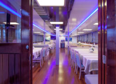 Standard superior category ship - restaurant