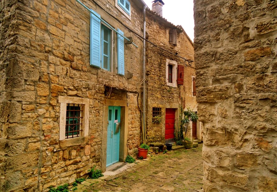 Must see places in Istria: Groznjan
