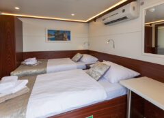 Small cruise ship: double cabin